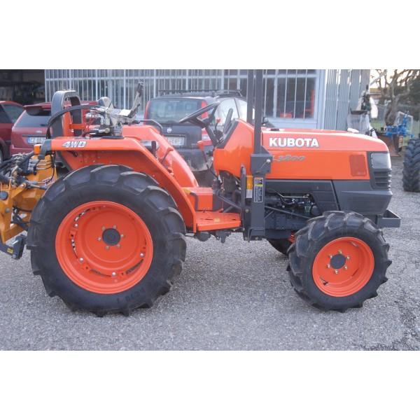 Kubota l3200 4wd trattore a ruote for Trattori kubota